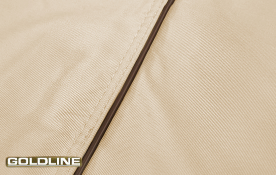 Elegant piping detail as a touch of style and extra durability.