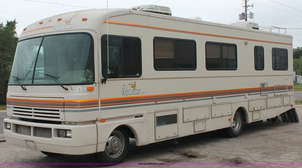 bounder-rv-covers-lifestyle.jpg
