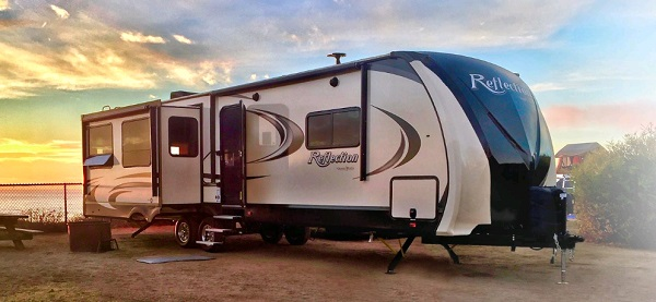 granddesign-rv-covers-lifestyle.jpg